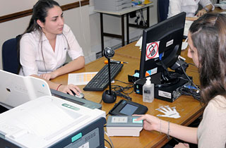 Dni y pasaporte ampliaci n del servicio a familiares for Dni ministerio del interior turnos